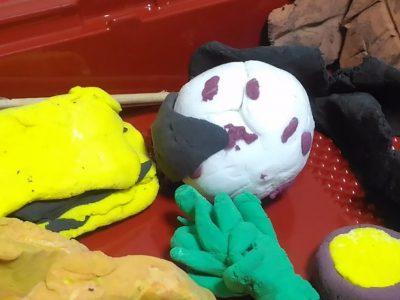 【小さな遊び】じっくりの遊び②:「作るあそび」で作っているのは〈作品〉ではなく〈楽しさ〉